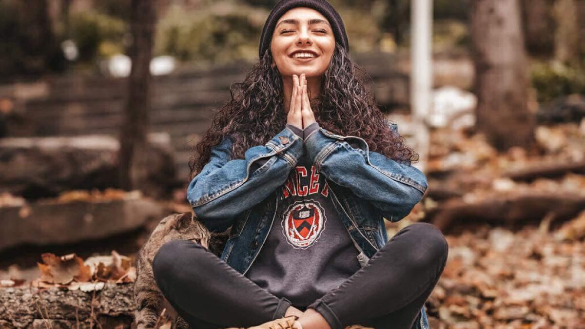 Медитация для начинающих: практические советы, как правильно сидеть, дышать, о чем думать