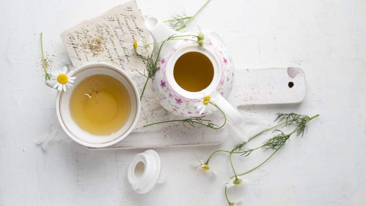 Диетолог о напитках: почему нельзя пить горячий шоколад и кому полезен чай из шиповника