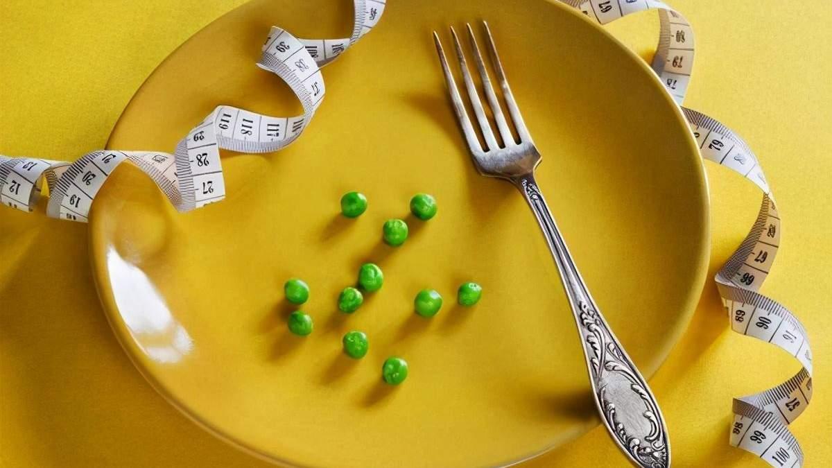 Чем вреден совет есть до ощущения легкого голода: диетолог развеяла популярный миф