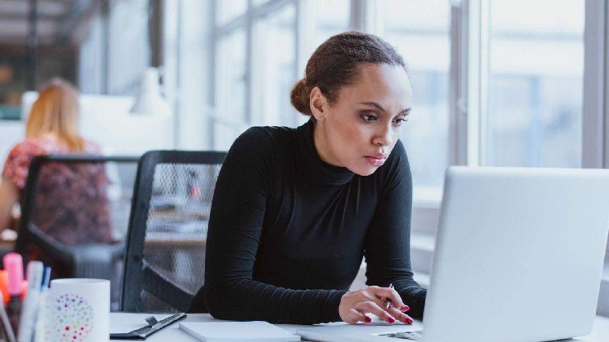 Признаки зависимости от работы: последствия на здоровья, методы борьбы