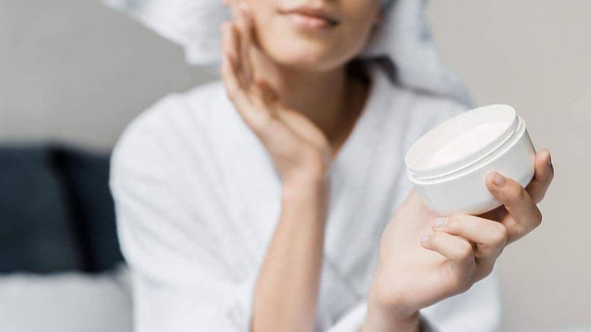 Каким должен быть состав крема для зоны вокруг глаз