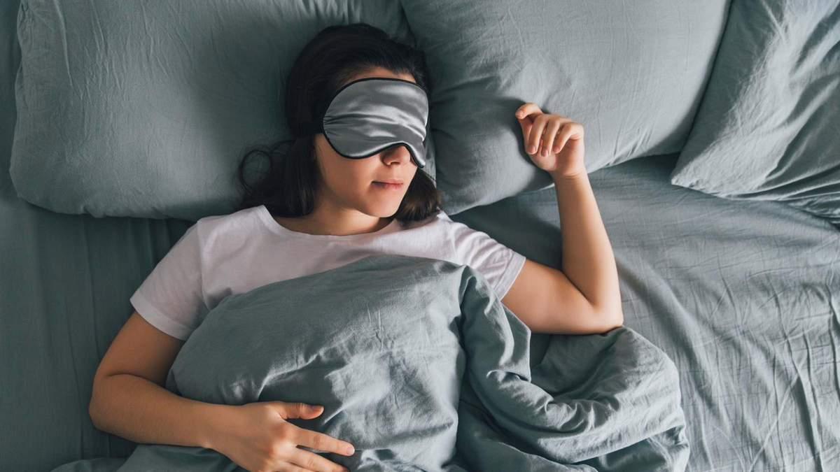Почему употребление сладостей мешает полноценному сну: исследования