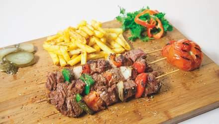 Лікарка назвала поширену помилку під час приготування м'яса